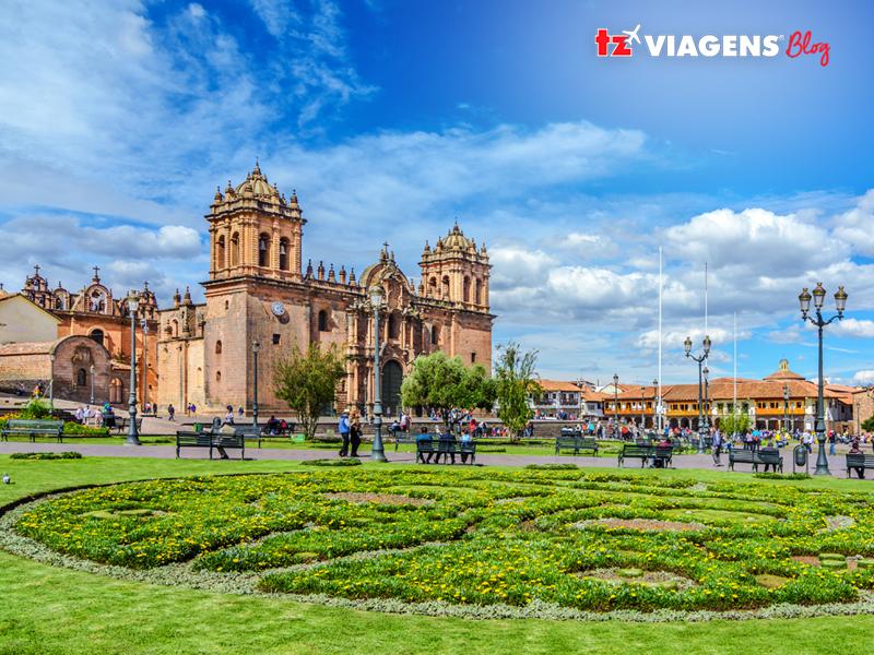 Praça das Armas em Cusco (Peru)