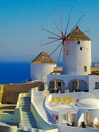 Santorini na Grécia é uma ilha paradisíaca
